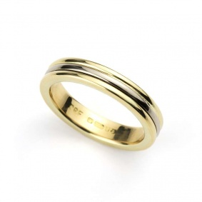 18k Gold 4mm Bevelled Wedding Band